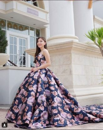 Rent Ball Gown Flower For Prewedding Photoshoot Ever Gown